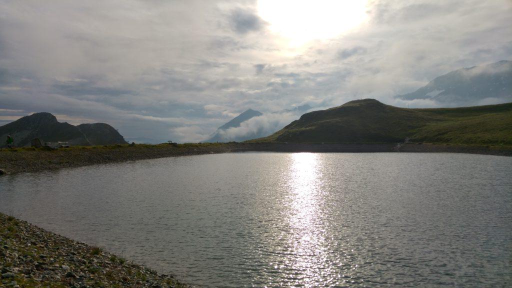 Morgens am See oben am Tuxer Joch. Mit dem Mountainbike kann er auch noch kurz umrundet werden.
